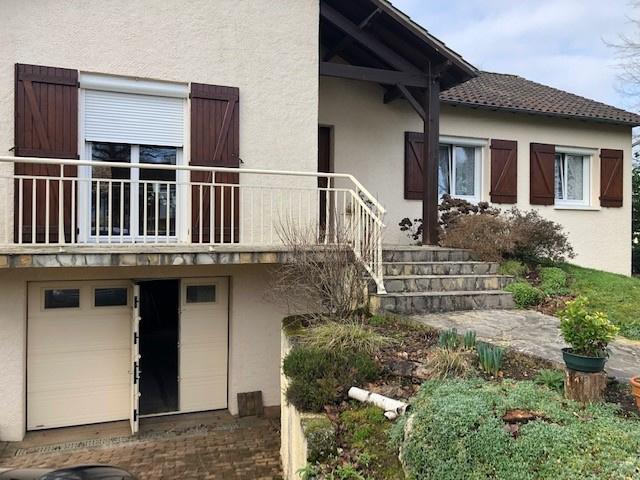 Rénovation d'une porte de garage de fenêtres et volets roulants électriques à Poitiers