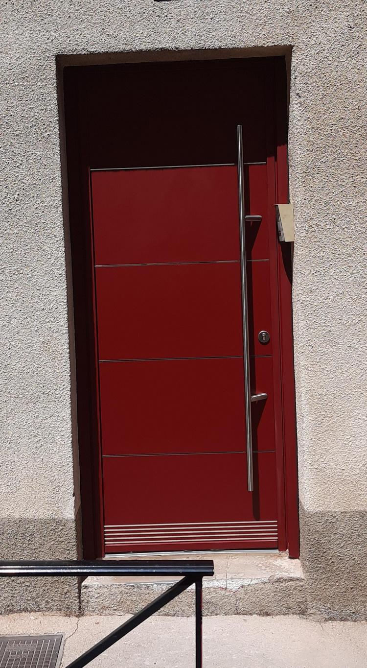 Porte d'entrée alu, barillet haute sécurité, inserts alu miroir