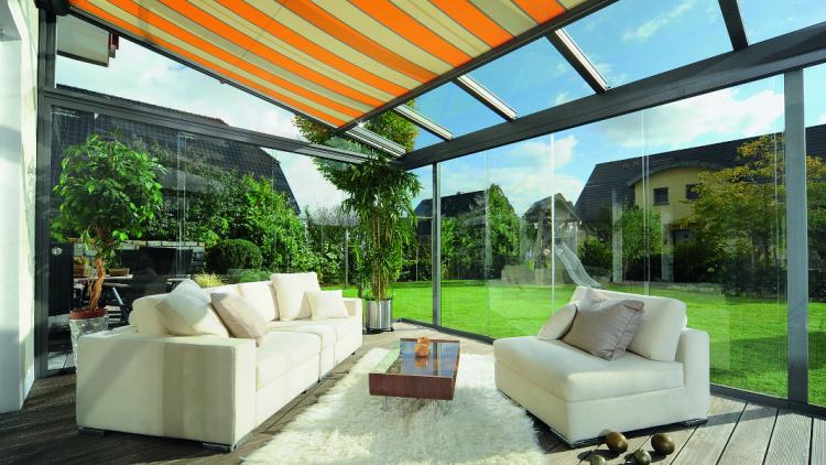 Store de toiture pour oasis de verre