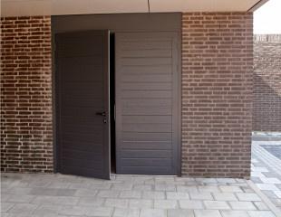 Porte de garage battante isolante