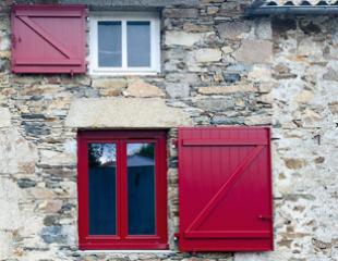 Fenêtres et portes-fenêtres en PVC sur-mesure Komilfo