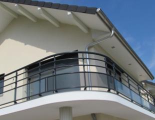 Garde-corps installé sur votre balcon