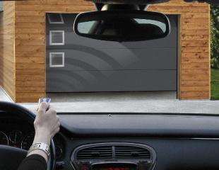 Portes de garage motorisées sur-mesure Komilfo