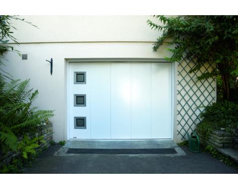 Porte de garage latérale 1