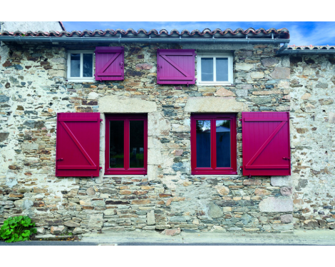 Fenêtre PVC rouge Nantes