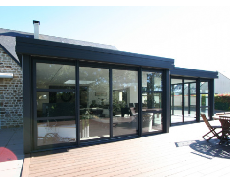 V randas contemporaines komilfo for Concevez vos propres plans de garage gratuitement