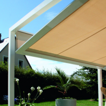 Pergola toile inclinable Komilfo