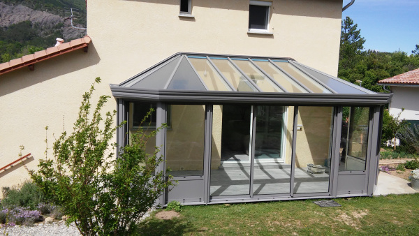 Véranda aluminium - Komilfo Miroiterie des Alpes (05)