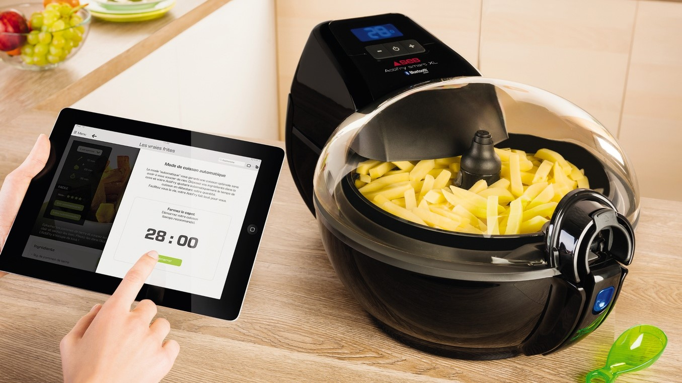 Friteuse connectée Seb ActiFry Smart XL - Komilfo
