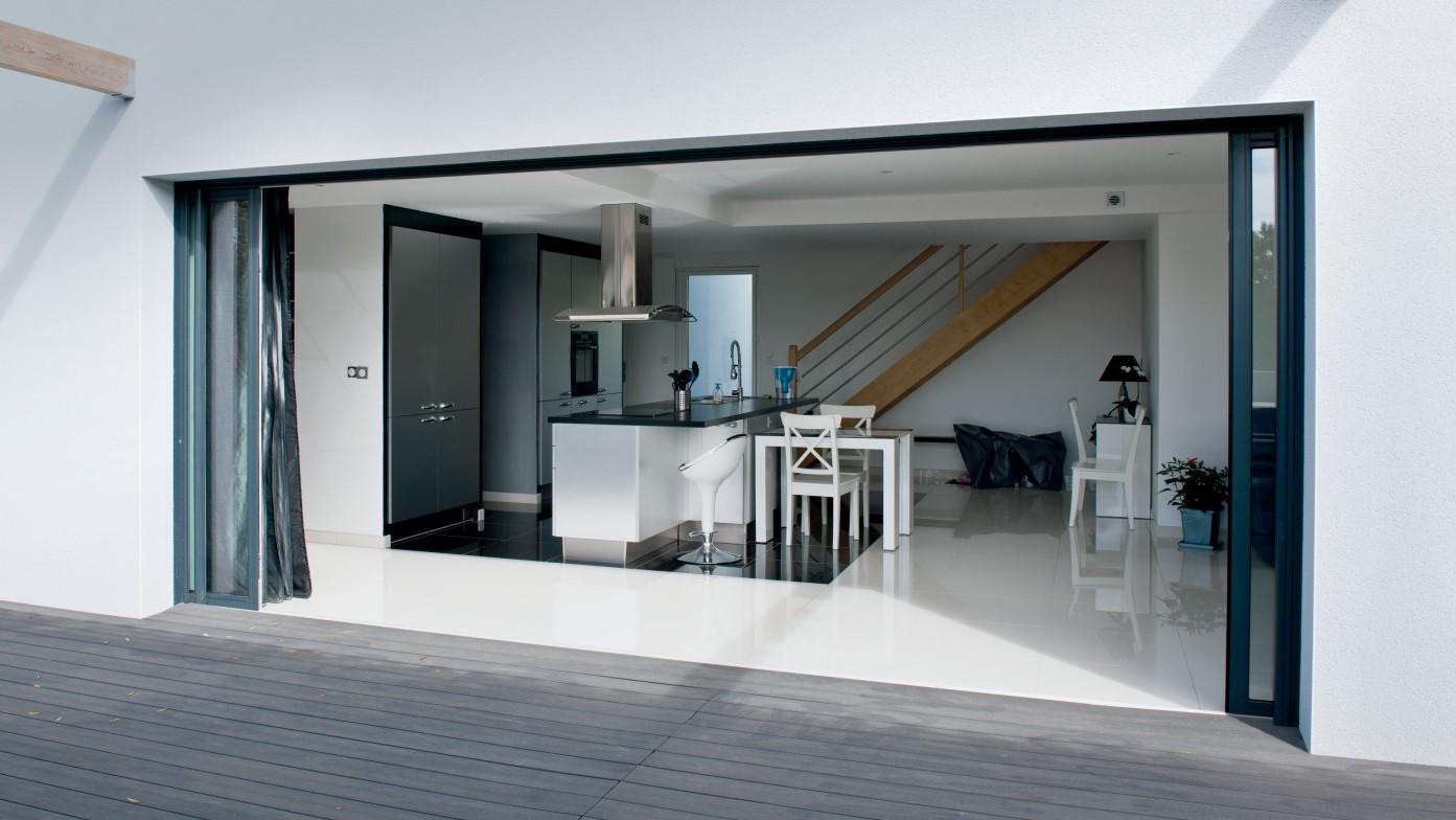 Portes Coulissantes Vitrées Intérieures baie vitrée à galandage sur-mesure - alu, bois, pvc | komilfo