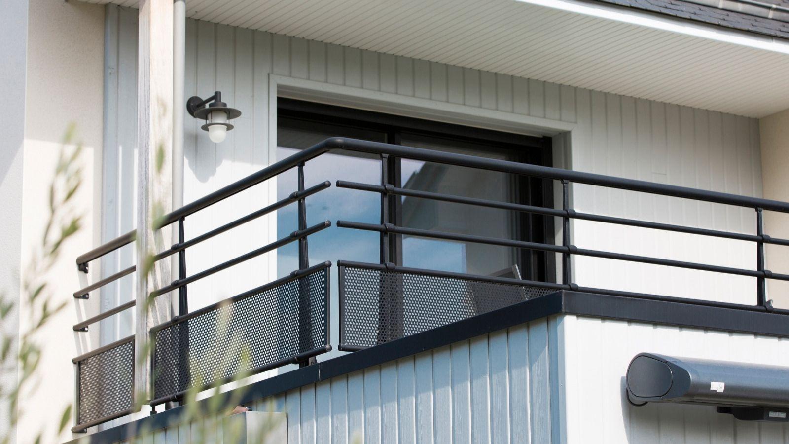 Terrasse Surélevée En Acier garde-corps sur-mesure - alu, verre - escalier, terrasse