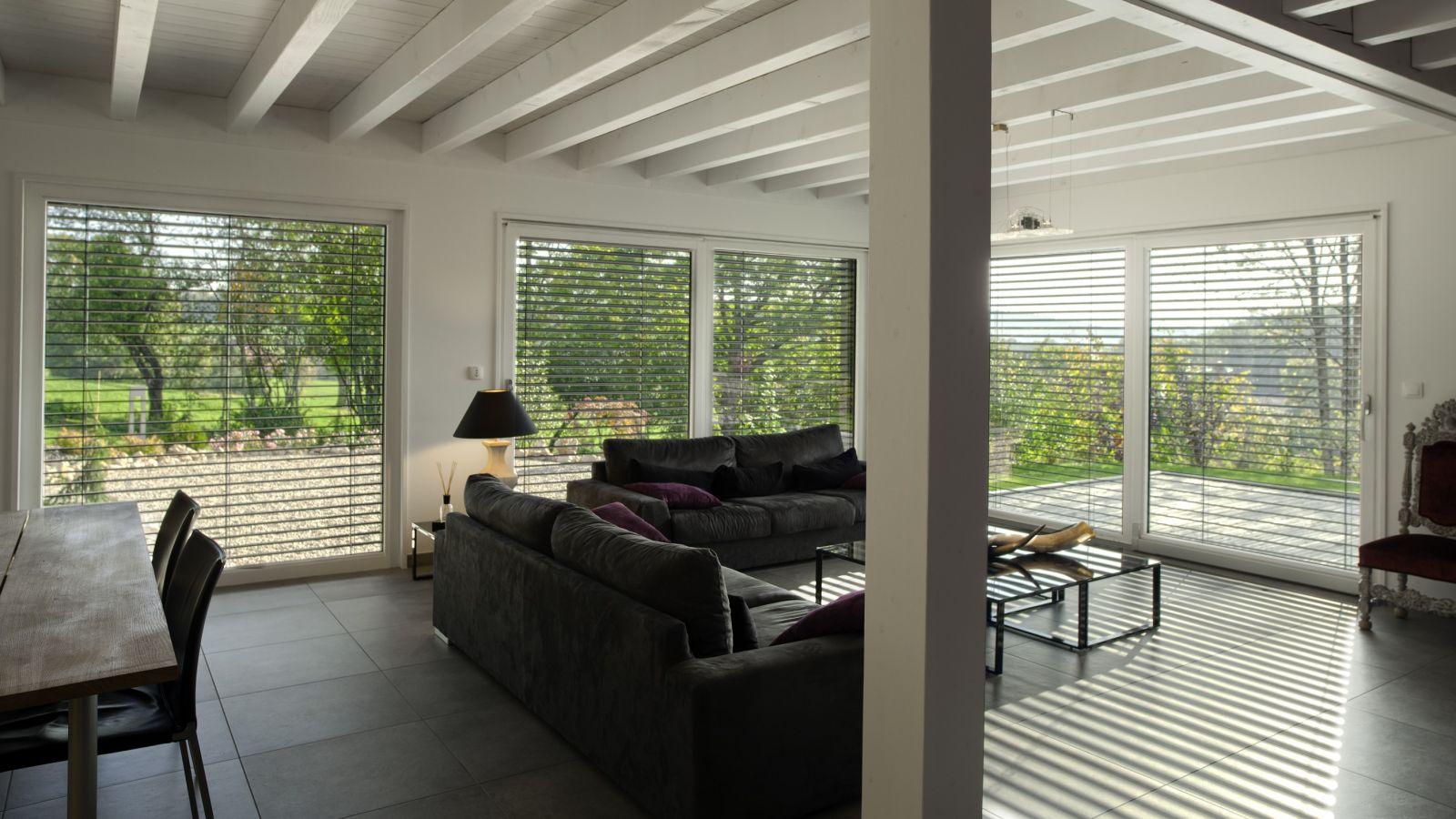 brise soleil orientables stores bso sur mesure komilfo. Black Bedroom Furniture Sets. Home Design Ideas