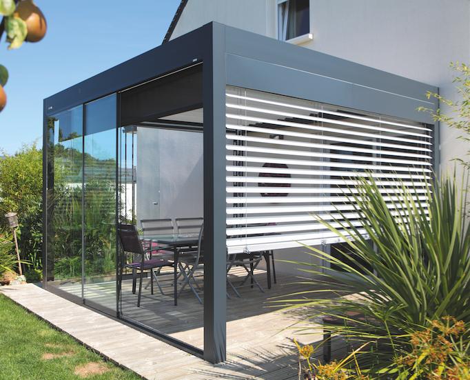 Pergolas lames komilfo - Pergola aluminium pour terrasse ...