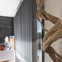 Store intérieur à bandes verticales Argelès Perpignan